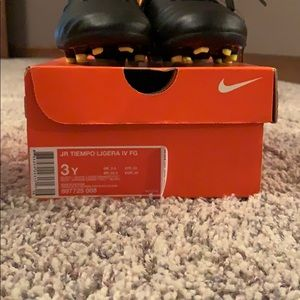 Nike Shoes - Nike JR Tiempo soccer cleat